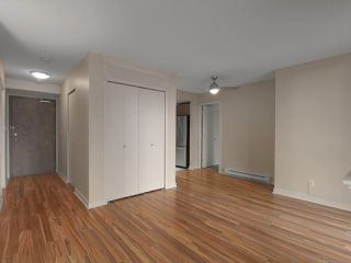 """Photo 5: 409 1212 HOWE Street in Vancouver: Downtown VW Condo for sale in """"1212 HOWE"""" (Vancouver West)  : MLS®# R2404018"""