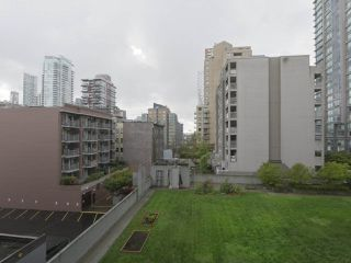 """Photo 19: 409 1212 HOWE Street in Vancouver: Downtown VW Condo for sale in """"1212 HOWE"""" (Vancouver West)  : MLS®# R2404018"""