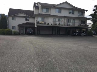 Photo 1: 8 1662 AGASSIZ-ROSEDALE Highway: Agassiz Townhouse for sale : MLS®# R2411468