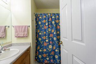 Photo 15: 6576 158 Avenue in Edmonton: Zone 03 House Half Duplex for sale : MLS®# E4180220