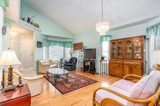 Photo 4: 6576 158 Avenue in Edmonton: Zone 03 House Half Duplex for sale : MLS®# E4180220