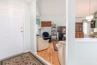 Photo 2: 6576 158 Avenue in Edmonton: Zone 03 House Half Duplex for sale : MLS®# E4180220