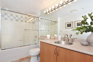 Photo 12: 2501 63 KEEFER PLACE in Vancouver: Downtown VW Condo for sale (Vancouver West)  : MLS®# R2324107