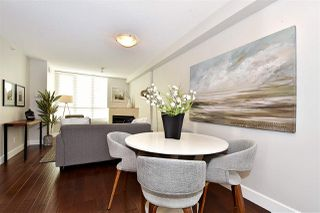Photo 3: 2501 63 KEEFER PLACE in Vancouver: Downtown VW Condo for sale (Vancouver West)  : MLS®# R2324107
