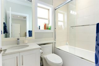 Photo 13: 2030 EDINBURGH Street in New Westminster: Connaught Heights House for sale : MLS®# R2428839