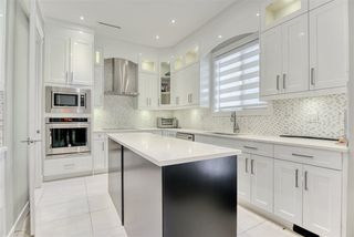 Photo 8: 2030 EDINBURGH Street in New Westminster: Connaught Heights House for sale : MLS®# R2428839