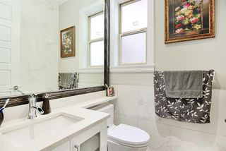 Photo 5: 2030 EDINBURGH Street in New Westminster: Connaught Heights House for sale : MLS®# R2428839
