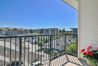 "Photo 17: 403 5430 201 Street in Langley: Langley City Condo for sale in ""SONNET"" : MLS®# R2479935"