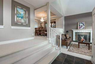 Photo 2: 26 KINGSWOOD Court in Port Moody: Heritage Woods PM House for sale : MLS®# R2494997