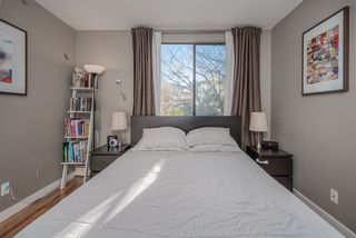 """Photo 14: 207 812 MILTON Street in New Westminster: Uptown NW Condo for sale in """"Hawthorn Place"""" : MLS®# R2521577"""