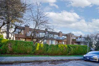 """Photo 1: 207 812 MILTON Street in New Westminster: Uptown NW Condo for sale in """"Hawthorn Place"""" : MLS®# R2521577"""