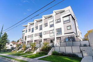 "Photo 1: 151 W 41ST Avenue in Vancouver: Oakridge VW Townhouse for sale in ""WOODSTOCK 1"" (Vancouver West)  : MLS®# R2526293"