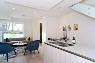 "Photo 7: 151 W 41ST Avenue in Vancouver: Oakridge VW Townhouse for sale in ""WOODSTOCK 1"" (Vancouver West)  : MLS®# R2526293"