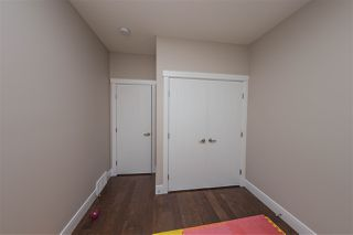 Photo 6: 2618 16A Avenue in Edmonton: Zone 30 House for sale : MLS®# E4169855