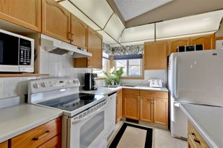 Photo 6: 94 OZERNA Road in Edmonton: Zone 28 House for sale : MLS®# E4175866