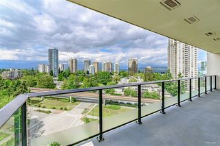 "Photo 6: 1002 6168 WILSON Avenue in Burnaby: Metrotown Condo for sale in ""JEWEL II"" (Burnaby South)  : MLS®# R2462727"