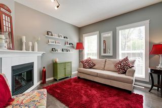 Photo 3: 26 PROMENADE Way SE in Calgary: McKenzie Towne Row/Townhouse for sale : MLS®# A1015071