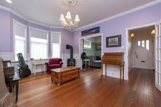 """Photo 4: 2224 VICTORIA Drive in Vancouver: Grandview Woodland House for sale in """"""""Mini Mint Manor"""""""" (Vancouver East)  : MLS®# R2482613"""