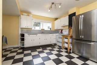 """Photo 10: 2224 VICTORIA Drive in Vancouver: Grandview Woodland House for sale in """"""""Mini Mint Manor"""""""" (Vancouver East)  : MLS®# R2482613"""