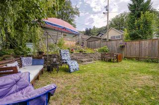 """Photo 3: 2224 VICTORIA Drive in Vancouver: Grandview Woodland House for sale in """"""""Mini Mint Manor"""""""" (Vancouver East)  : MLS®# R2482613"""