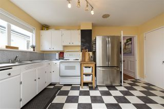 """Photo 11: 2224 VICTORIA Drive in Vancouver: Grandview Woodland House for sale in """"""""Mini Mint Manor"""""""" (Vancouver East)  : MLS®# R2482613"""