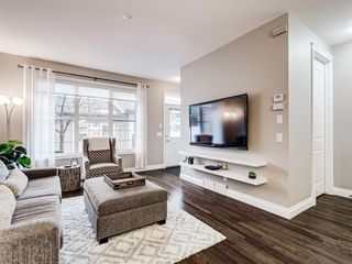 Photo 10: 252 QUARRY PARK Boulevard SE in Calgary: Douglasdale/Glen Row/Townhouse for sale : MLS®# A1045762