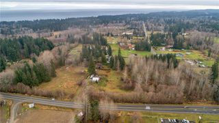 Photo 10: 8712 N Island Hwy in : CV Merville Black Creek Other for sale (Comox Valley)  : MLS®# 860803