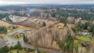 Photo 4: 8712 N Island Hwy in : CV Merville Black Creek Other for sale (Comox Valley)  : MLS®# 860803