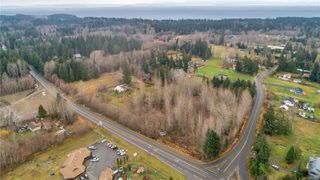 Photo 11: 8712 N Island Hwy in : CV Merville Black Creek Other for sale (Comox Valley)  : MLS®# 860803