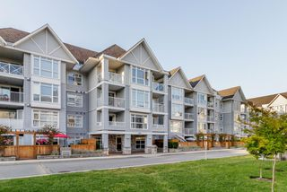 "Main Photo: 204 3142 ST JOHNS Street in Port Moody: Port Moody Centre Condo for sale in ""SONRISA"" : MLS®# R2397780"