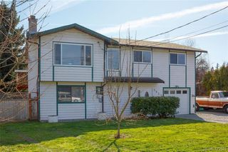 Photo 2: 1927 Cultra Ave in SAANICHTON: CS Saanichton House for sale (Central Saanich)  : MLS®# 836406