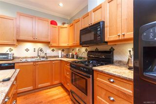 Photo 13: 21 15 Helmcken Rd in View Royal: VR Hospital Row/Townhouse for sale : MLS®# 837187