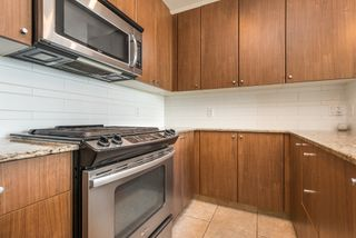 Photo 4: 2002 280 Ross Drive in New Westminster: Fraserview NW Condo for sale : MLS®# R2504994