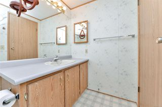Photo 16: 135 9 Chief Robert Sam Lane in : VR Glentana Manufactured Home for sale (View Royal)  : MLS®# 862946