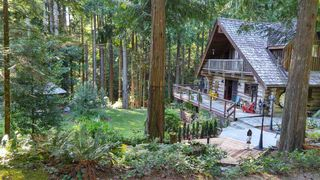 Main Photo: 3000 DAY Road: Roberts Creek House for sale (Sunshine Coast)  : MLS®# R2390817