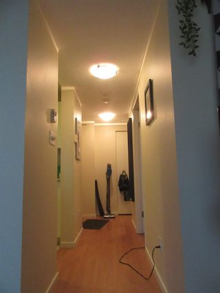Photo 3: 2206 438 SEYMOUR Street in Vancouver: Downtown VW Condo for sale (Vancouver West)  : MLS®# R2404442