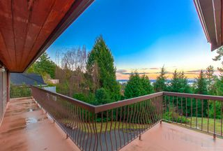 "Photo 3: 4661 WOODRIDGE Place in West Vancouver: Cypress Park Estates House for sale in ""Cypress Park Estates"" : MLS®# R2435409"