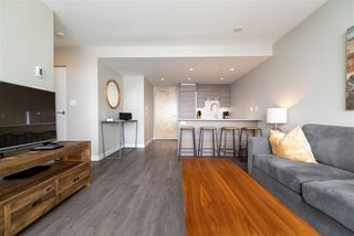 "Photo 2: 3208 488 SW MARINE Drive in Vancouver: Marpole Condo for sale in ""Marine Gateway"" (Vancouver West)  : MLS®# R2440904"