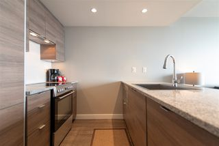 """Photo 8: 3208 488 SW MARINE Drive in Vancouver: Marpole Condo for sale in """"Marine Gateway"""" (Vancouver West)  : MLS®# R2440904"""