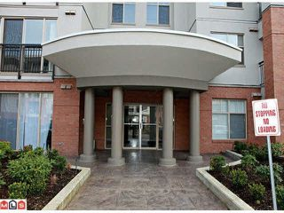 Photo 3: 307 33546 HOLLAND Avenue in Abbotsford: Central Abbotsford Condo for sale : MLS®# R2448020