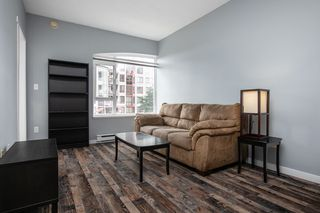 """Photo 2: 203 221 ELEVENTH Street in New Westminster: Uptown NW Condo for sale in """"THE STANDFORD"""" : MLS®# R2464759"""