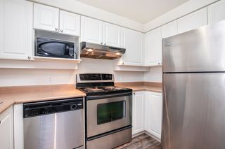 """Photo 9: 203 221 ELEVENTH Street in New Westminster: Uptown NW Condo for sale in """"THE STANDFORD"""" : MLS®# R2464759"""