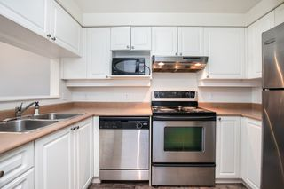 """Photo 8: 203 221 ELEVENTH Street in New Westminster: Uptown NW Condo for sale in """"THE STANDFORD"""" : MLS®# R2464759"""