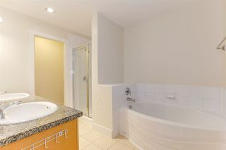 Photo 18: 886 W 58TH Avenue in Vancouver: South Cambie Townhouse for sale (Vancouver West)  : MLS®# R2470075