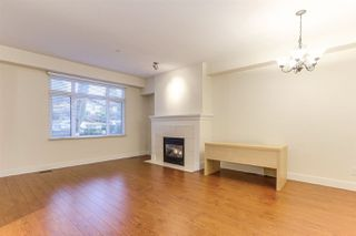 Photo 2: 886 W 58TH Avenue in Vancouver: South Cambie Townhouse for sale (Vancouver West)  : MLS®# R2470075