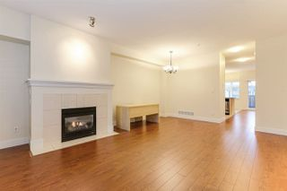 Photo 4: 886 W 58TH Avenue in Vancouver: South Cambie Townhouse for sale (Vancouver West)  : MLS®# R2470075