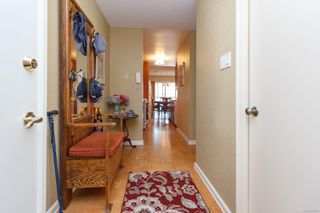 Photo 3: 401 415 Linden Ave in : Vi Fairfield West Condo Apartment for sale (Victoria)  : MLS®# 855926