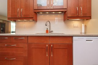 Photo 14: 401 415 Linden Ave in : Vi Fairfield West Condo Apartment for sale (Victoria)  : MLS®# 855926