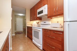 Photo 12: 401 415 Linden Ave in : Vi Fairfield West Condo Apartment for sale (Victoria)  : MLS®# 855926