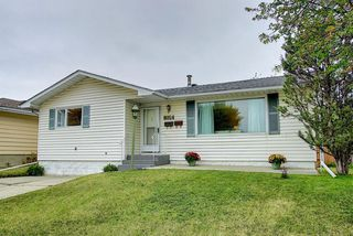 Main Photo: 8024 HUNTWICK Hill NE in Calgary: Huntington Hills Detached for sale : MLS®# A1033123